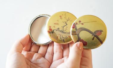 本丸御殿 金の手鏡(全3種) 各750円(税込)